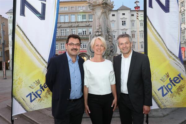 Zipfer lud zu Sondervorstellung und Networking ins Linzer Kellertheater
